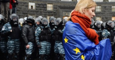 Ukraine-EU-flag-draped