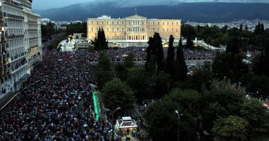 greek-parliament-protests