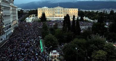 greek-parliament-protests